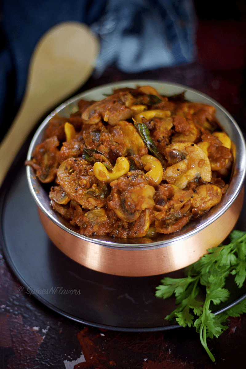 kaju-mushroom-masala- south-indian-style-curry