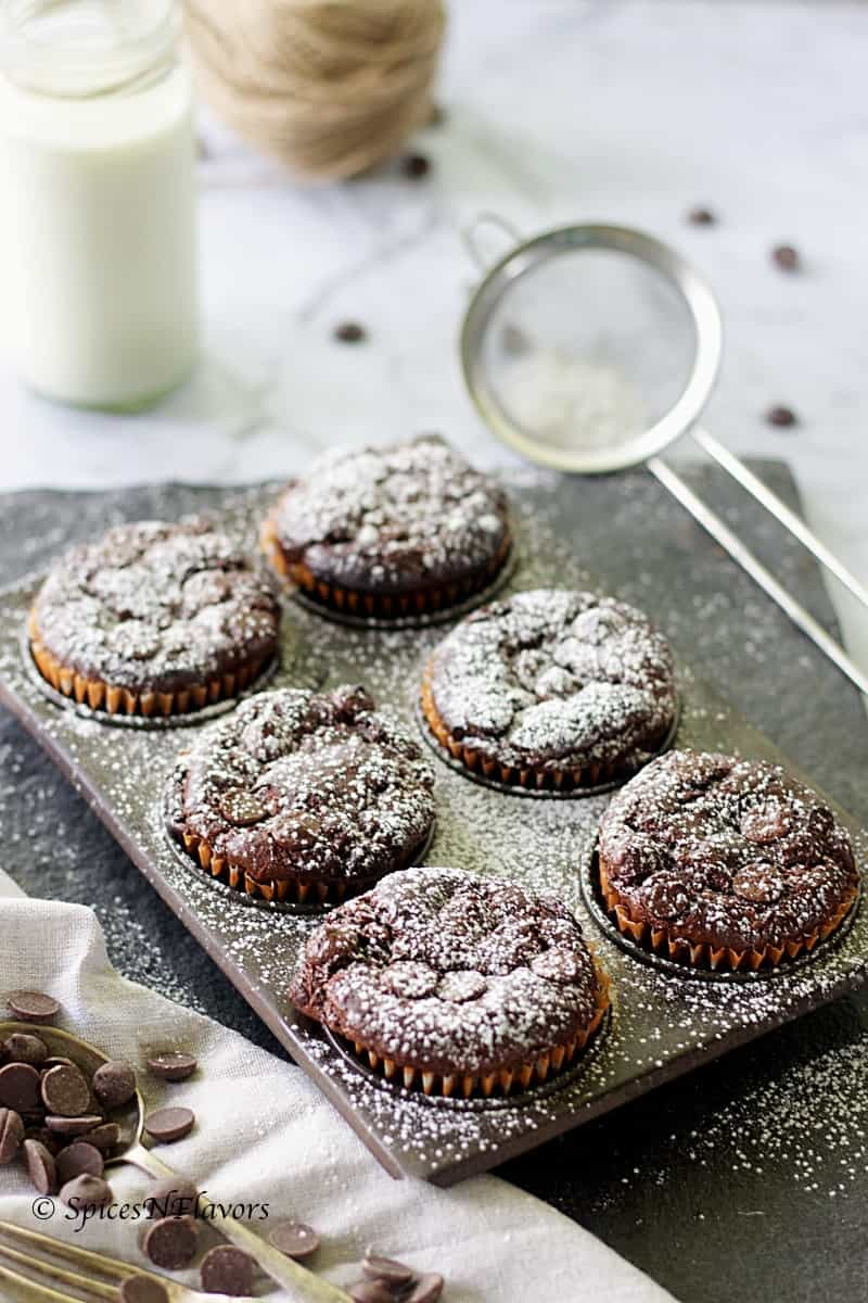 flourless zucchini chocolate muffins zucchini brownies how to make healthy muffins flourless cake flourless muffin flourless cupcakes how to bake using vegetables how to include vegetables in kids diet #baking #recipes in #pinterest #healthybaking
