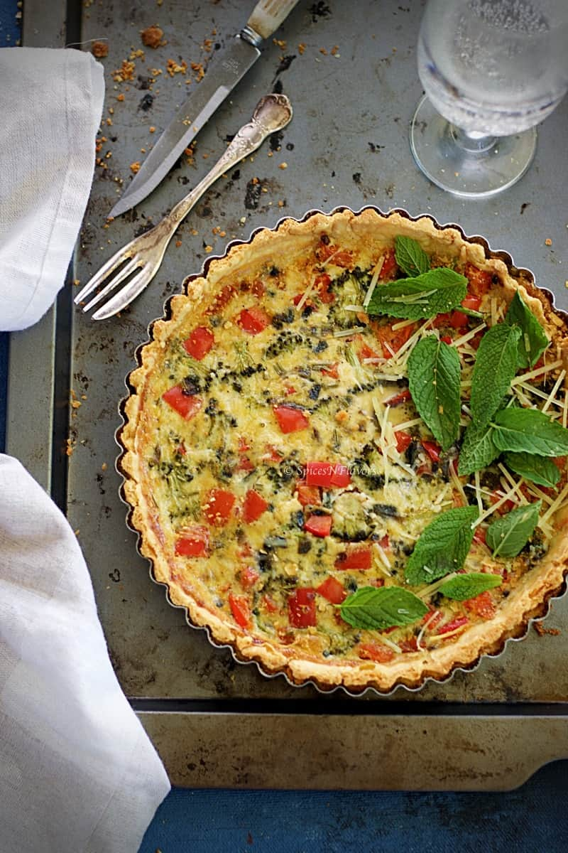 quiche lorraine pepper and broccoli quiche vegetable quiche vegetarian quiche photography #quichelorraine #quiche #vegetarianquiche #vegetablequiche #quiche #lorraine how to make quiche at home