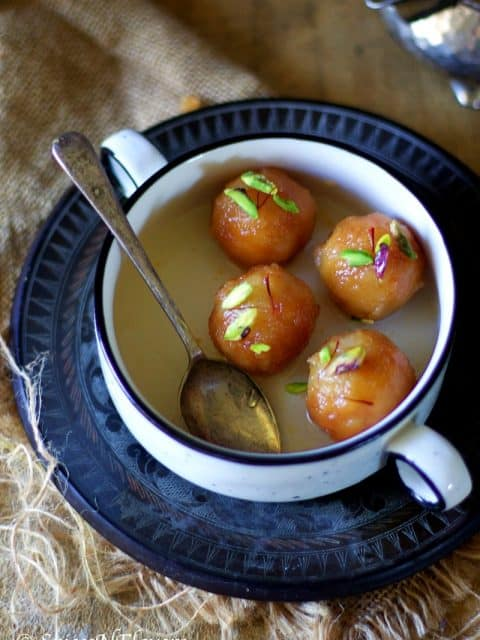 Bread Gulab Jamun Recipe, instant bread gulab jamun recipe, instant indian sweet, instant indian dessert, how to make gulab jamun at home, gulab jamun recipe, how to make gulab jamun using bread,