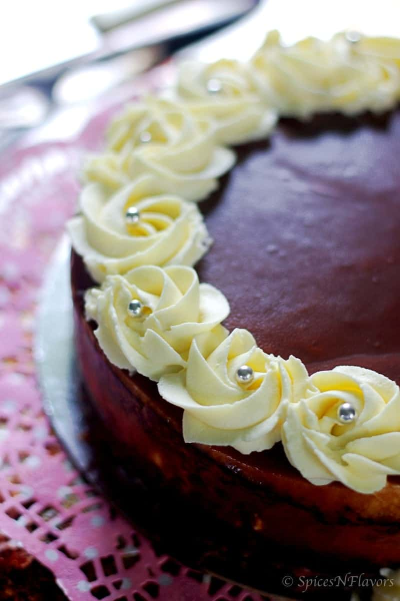 rosettes piped on eggless atta cake using leftover chapati