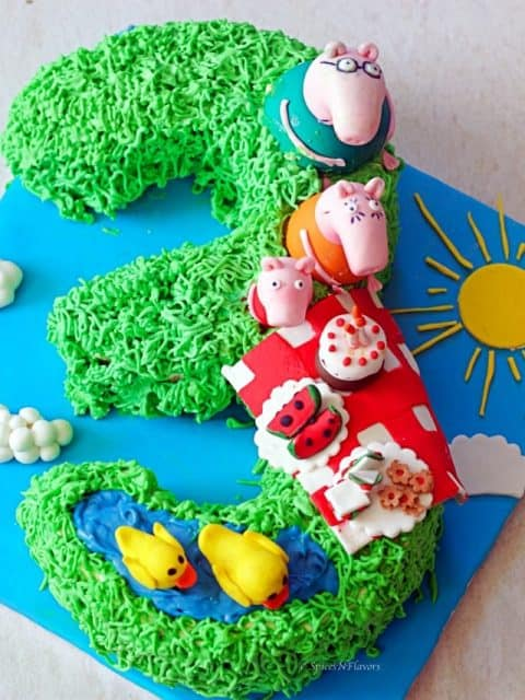 overhead image of peppa pig birthday cake