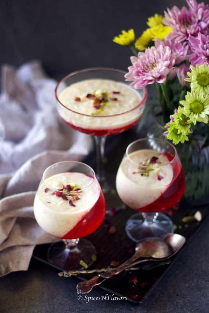 3 glasses having the kheer and jelly served in an angular fashion