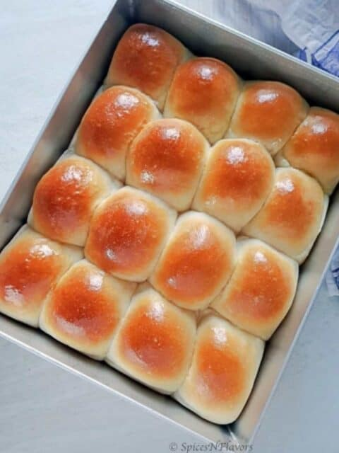 ladi pav placed in a baking tray