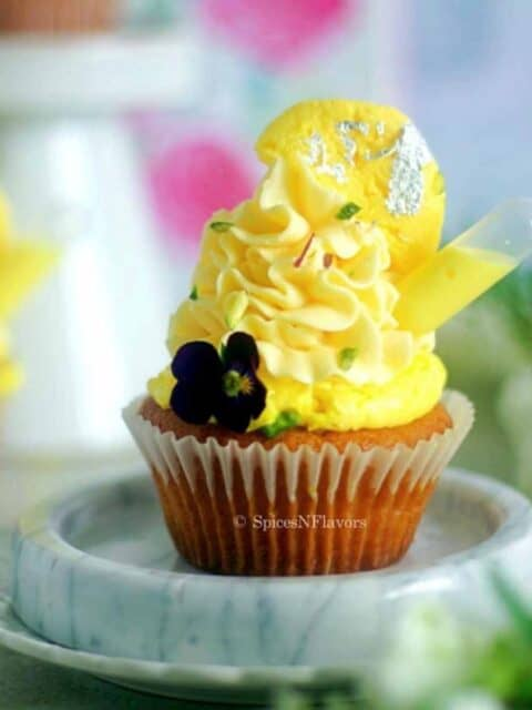 close image of the cupcake for recipe card